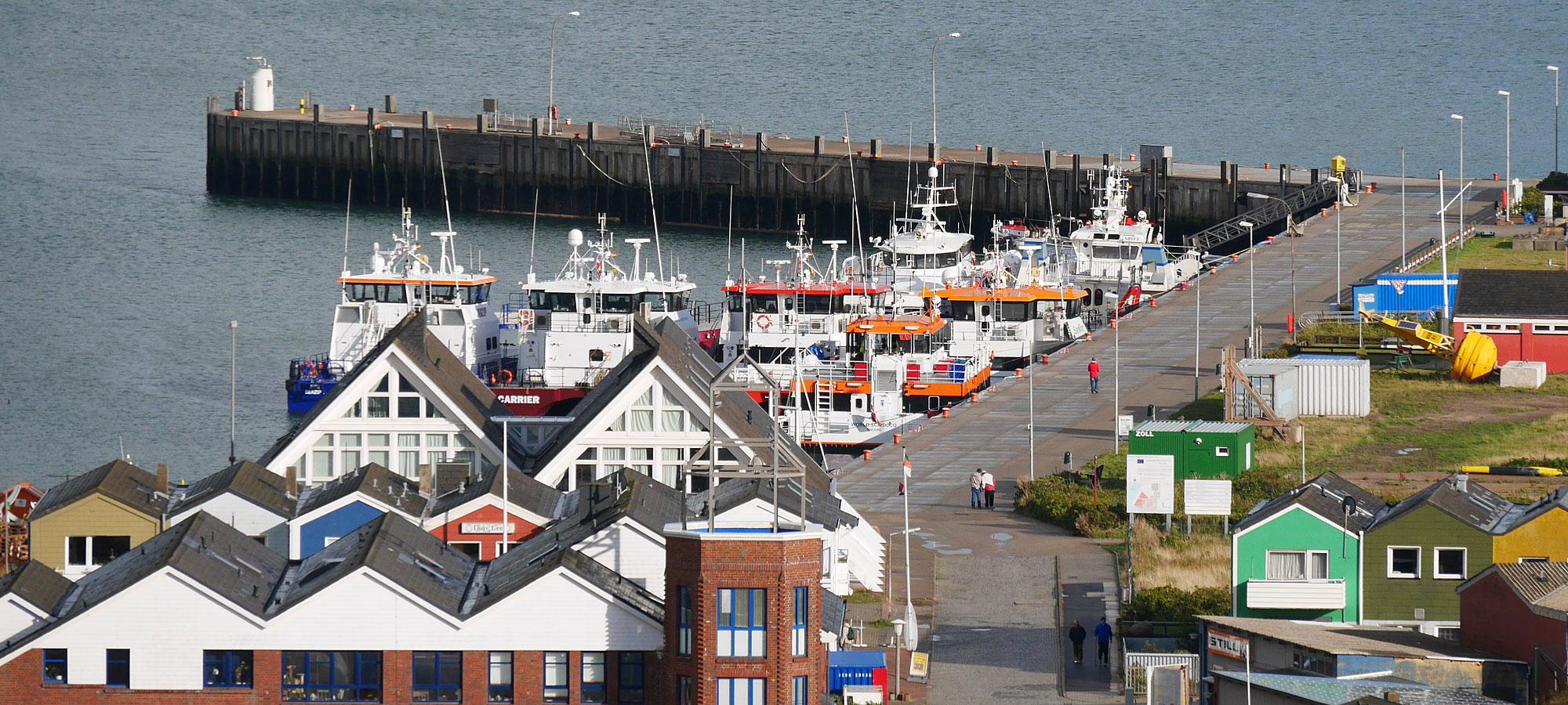 Helgoland Hafen Offshore Katamarane